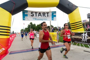 Uriel and I crossing the Finish